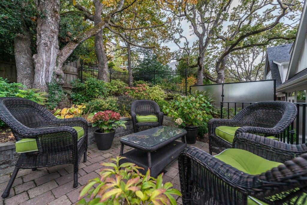 Additional photo for property listing at 3-1770 Rockland Ave Victoria, British Columbia,Kanada