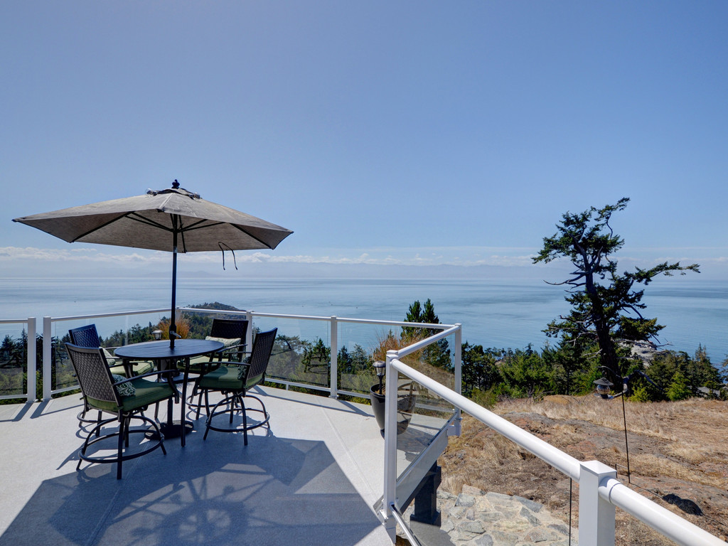 Additional photo for property listing at 7450 Thornton Heights Sooke, British Columbia,Canada