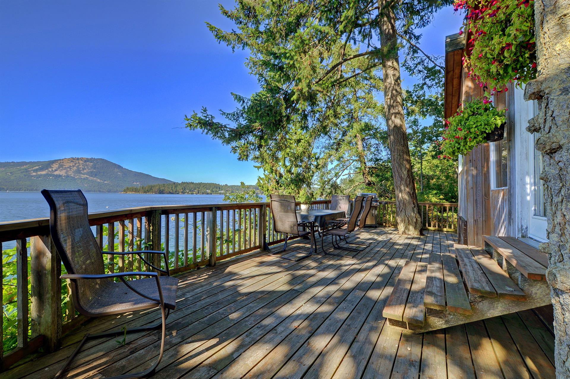Additional photo for property listing at 273 Coal Point Ln Victoria, British Columbia,Canada