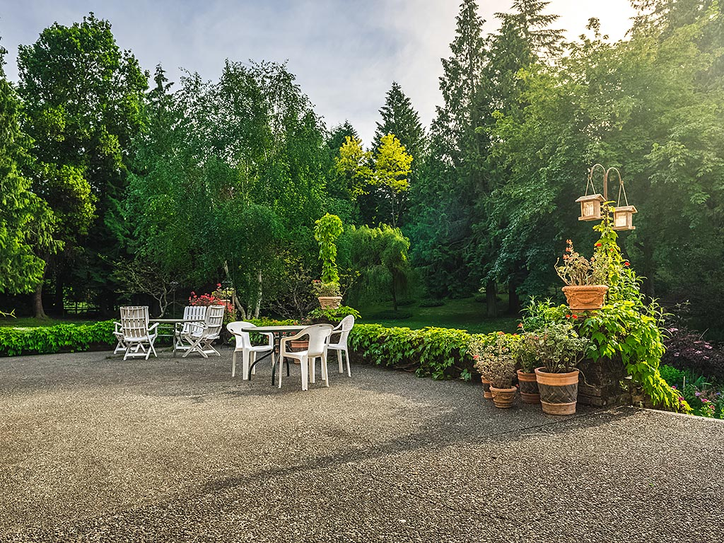 Additional photo for property listing at 5499 Forest Hill Rd Victoria, Columbia Britannica,Canada