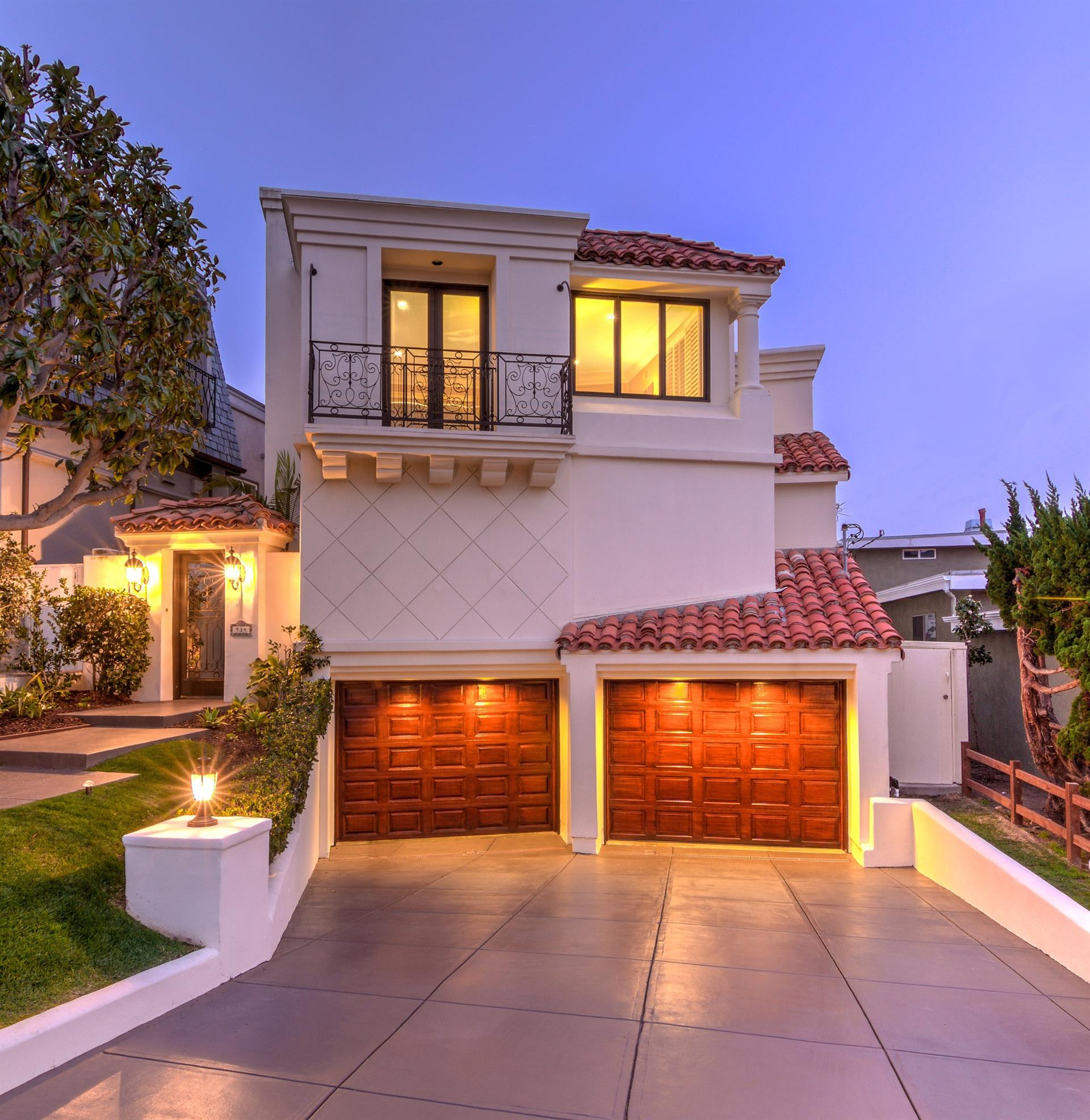 Casa Unifamiliar por un Venta en Panoramic Ocean Views 934 Duncan Manhattan Beach, California,90266 Estados Unidos