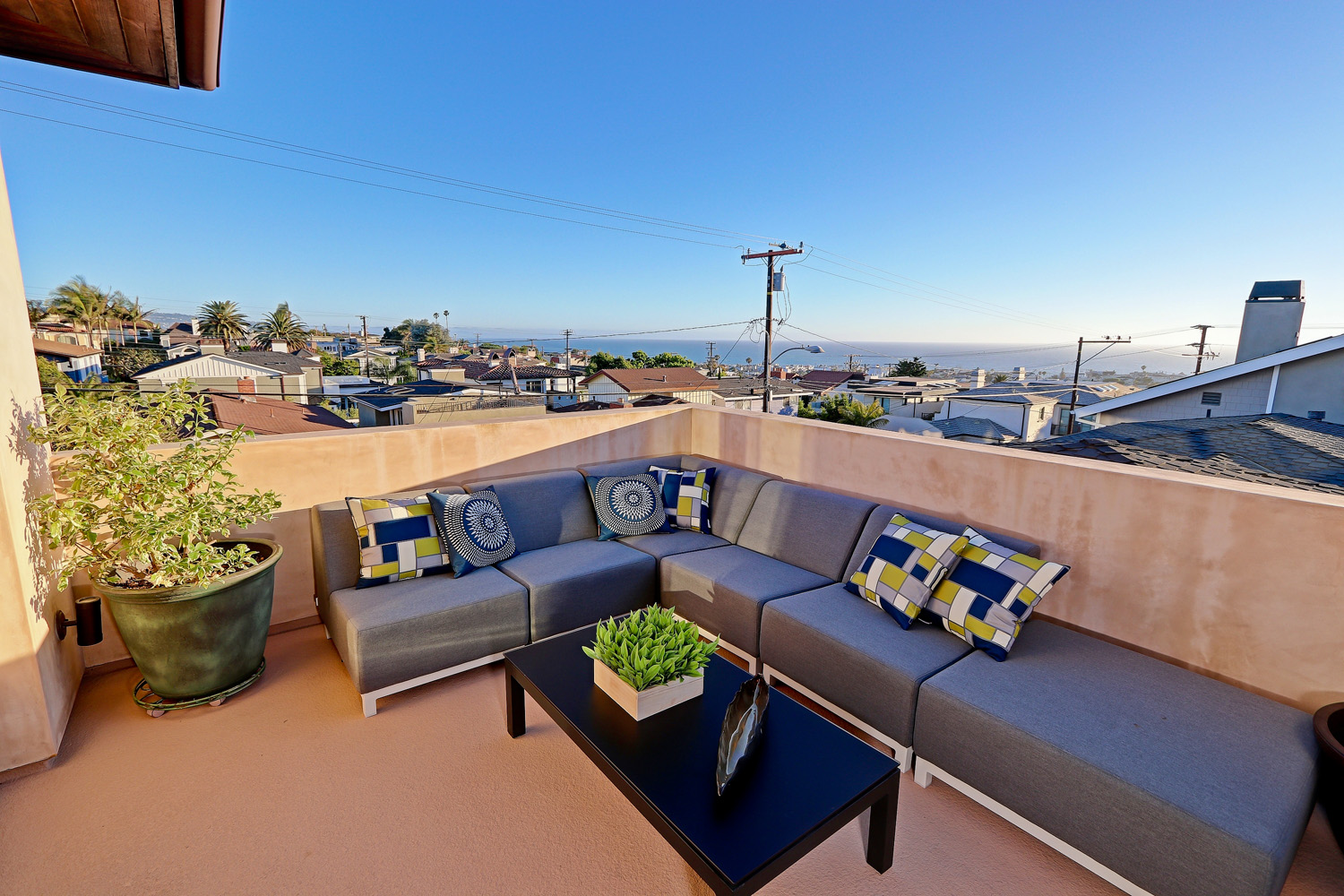 Additional photo for property listing at Hill Section Zen 1025 Duncan Pl., Manhattan Beach, CA 90266 Manhattan Beach, California,90266 Stati Uniti