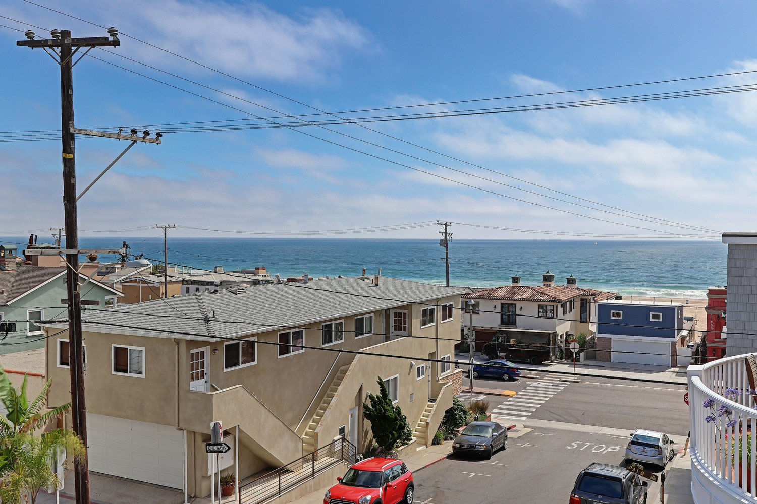 Additional photo for property listing at Modern in Hermosa 123 28th St, Hermosa Beach, CA 90254 Hermosa Beach, California,90254 Stati Uniti