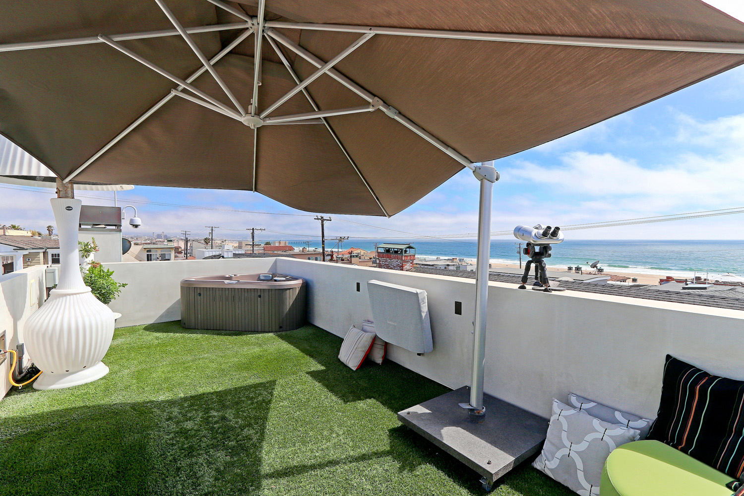 Additional photo for property listing at Modern in Hermosa 123 28th St, Hermosa Beach, CA 90254 Hermosa Beach, Kaliforniya,90254 Amerika Birleşik Devletleri