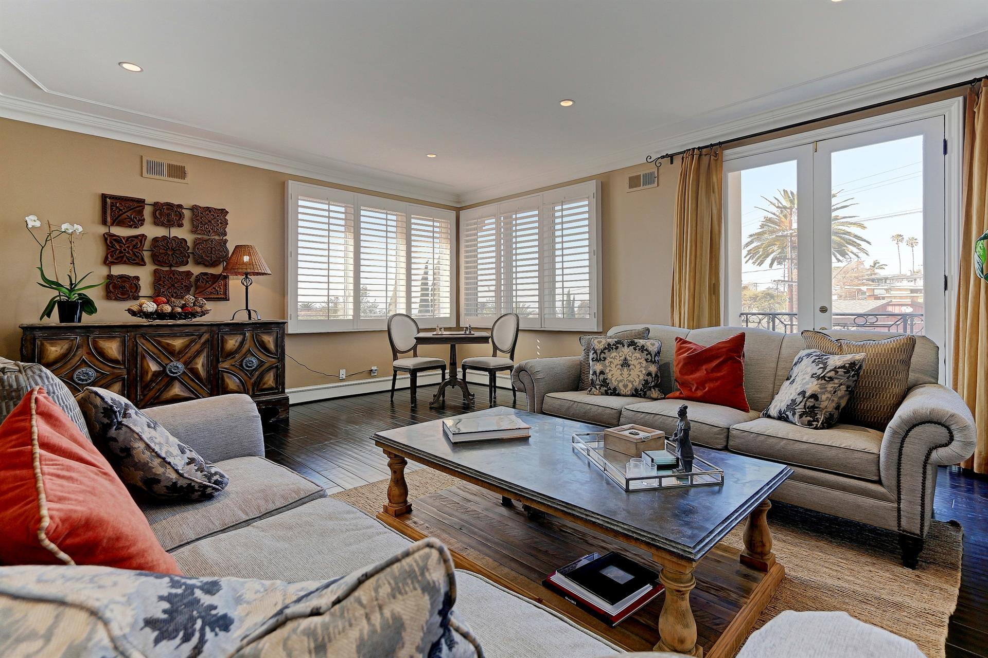 Additional photo for property listing at Panoramic Ocean Views 934 Duncan Manhattan Beach, Californie,90266 États-Unis