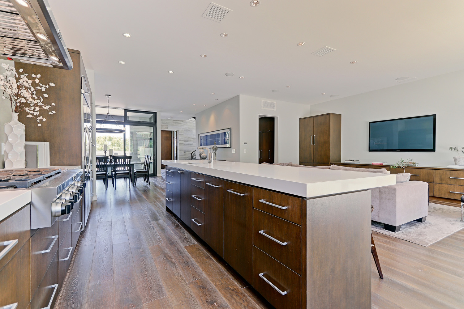 Additional photo for property listing at Modern in the Tree Section 2200 Agnes Rd., Manhattan Beach, CA 90266 Manhattan Beach, Kaliforniya,90266 Amerika Birleşik Devletleri