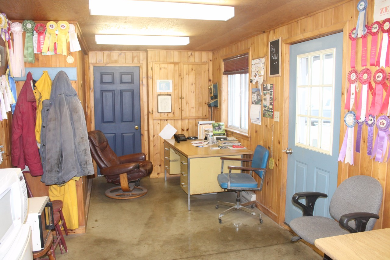 Additional photo for property listing at MLS: 410962000400600 - 512 The Bury Rd,Northern Bruce Peninsula 512 The Bury Road Wiarton, Ontario,N0H2T0 Canada