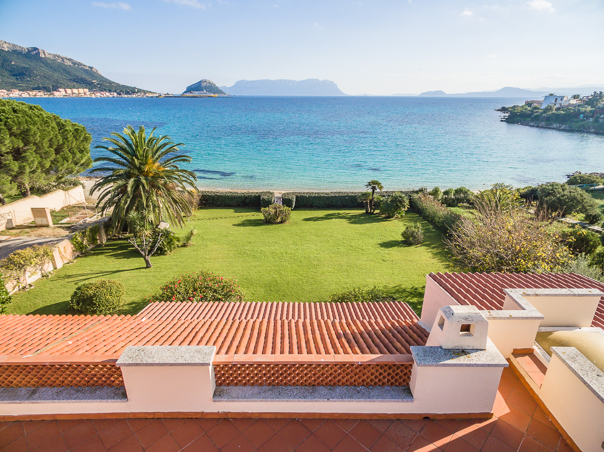Additional photo for property listing at La Maison de Plage  Golfo Aranci, Olbia Tempio,07020 Italien