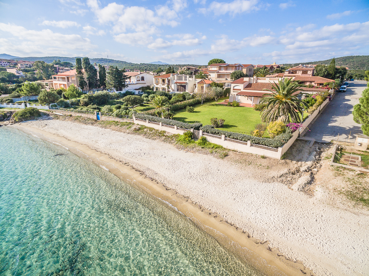 Additional photo for property listing at La Maison de Plage  Golfo Aranci, Olbia Tempio,07020 Italie