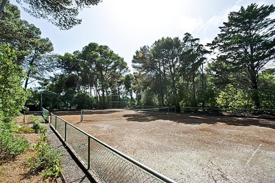 Additional photo for property listing at Plot of land in Birre of 88,000 sqm which has a 'P Cascais, Portugal
