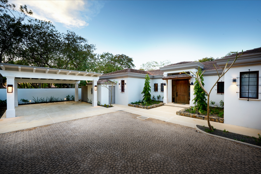 Additional photo for property listing at Oceanfront Estate Home in Gated Community Tamarindo, コスタリカ