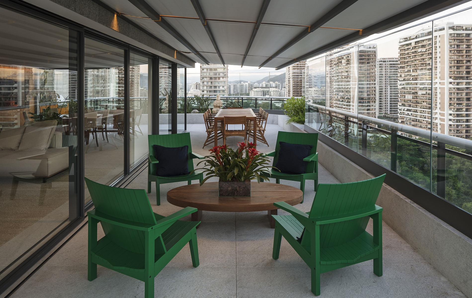 Additional photo for property listing at Outstanding penthouse in Rio de Janeiro 5200 Lucio da Costa Ave, Rio de Janeiro, Rio de Janeiro,22630-012 Brazil