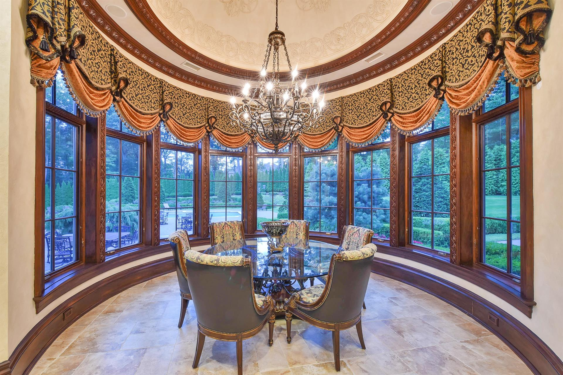 Additional photo for property listing at Ramapo Mountain Estate, Mahwah, New Jersey  Mahwah, New Jersey 07430 United States