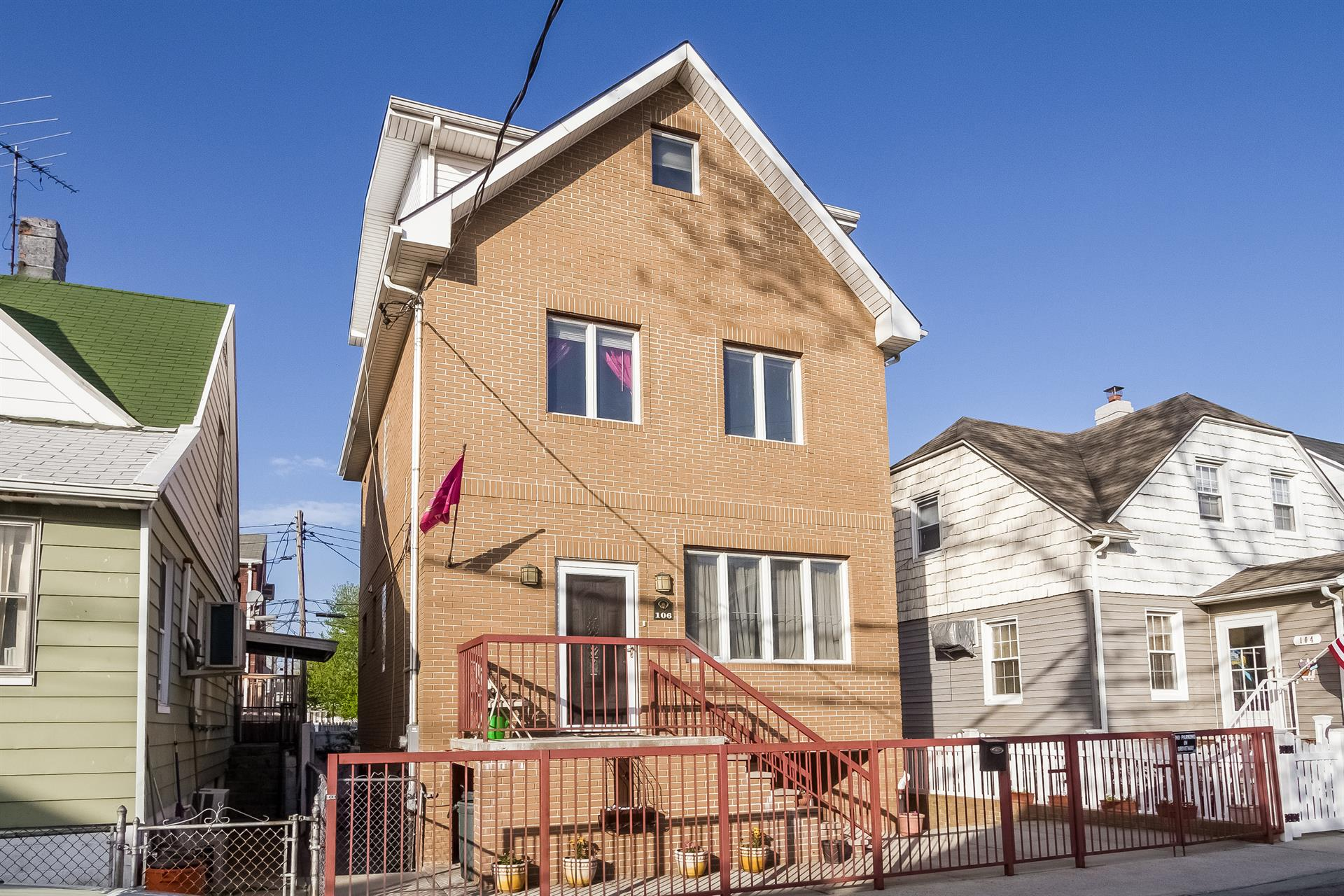 Additional photo for property listing at 106 Ebony Ct.  Brooklyn, New York 11229 United States