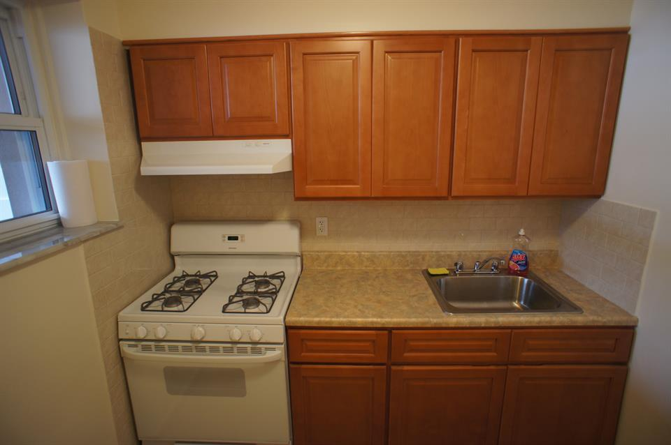 Additional photo for property listing at 1 Bedroom Apartment 85th Street Brooklyn, New York 11228 United States