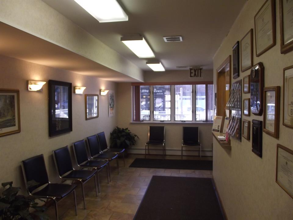 Commercial for Rent at 84th St 13th Avenue. New York, 11228 United States