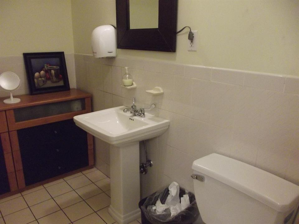 Additional photo for property listing at 84th St 13th Avenue.  New York, New York 11228 United States