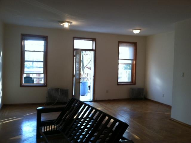 Additional photo for property listing at Bay Ridge 90's 2 Bedrooms  Brooklyn, New York 11209 United States