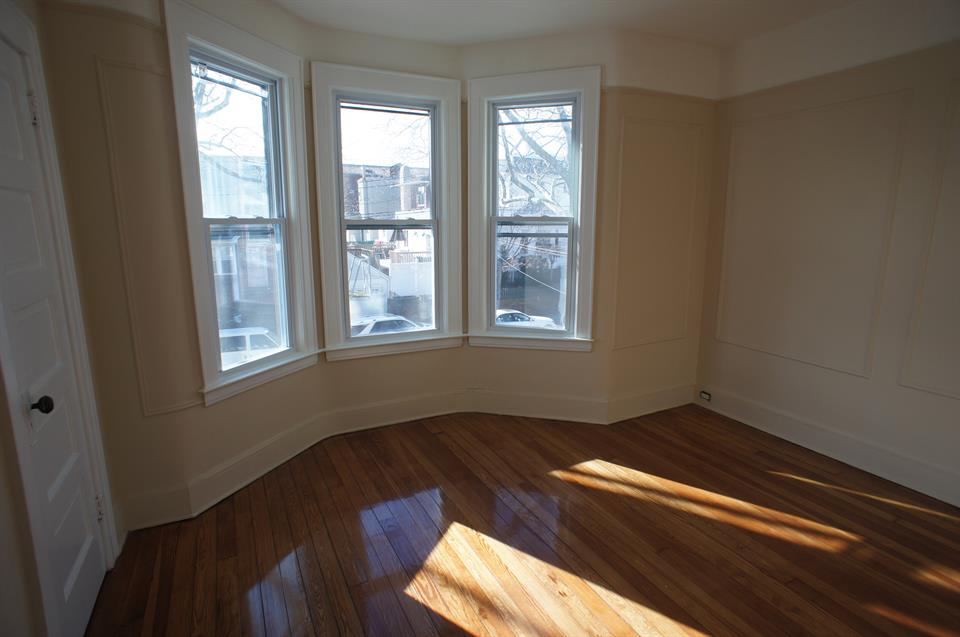Additional photo for property listing at House For Rent 76th Street Btwn 12/13 Ave Brooklyn, New York 11228 United States