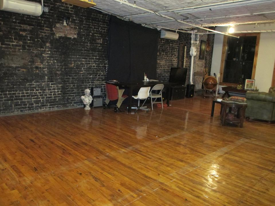Additional photo for property listing at 424 Broadway New York N.Y. 10013 424 Broadway 6th Fl New York N.Y. 10013 New York, New York 10013 United States