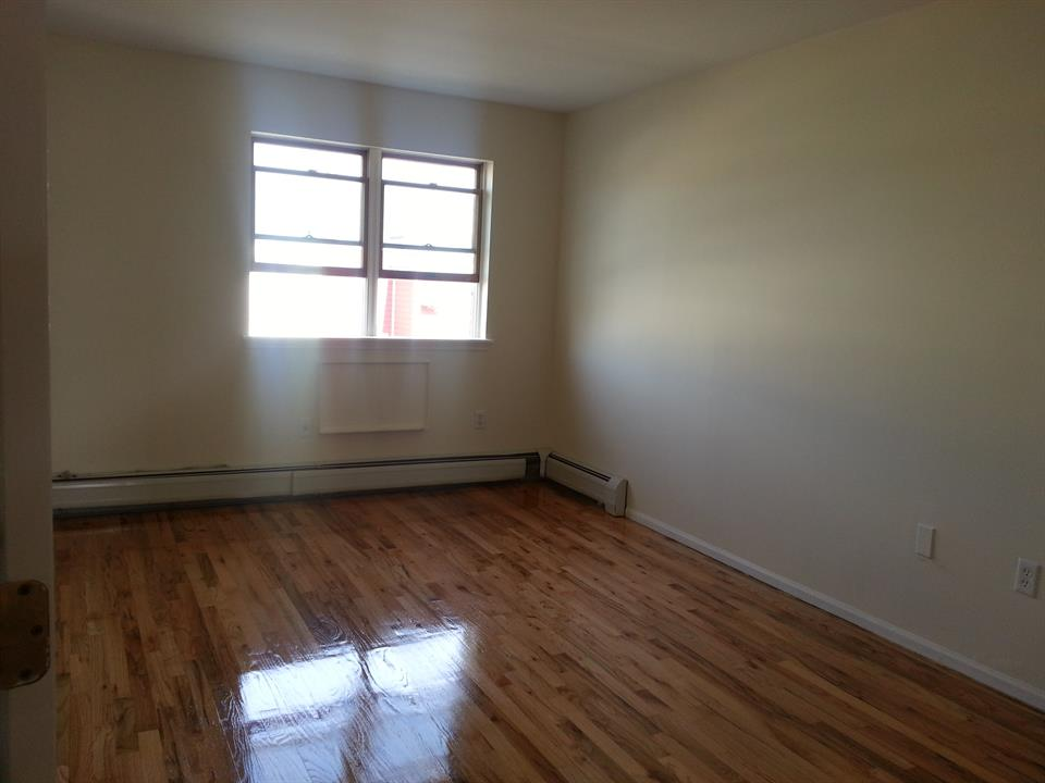 Additional photo for property listing at Bay 14th St & 86th St  Brooklyn, New York 11214 United States