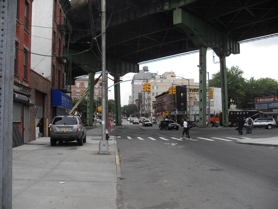 Additional photo for property listing at Court St/Hamilton Ave  (2/Fl)  Brooklyn, New York 11231 United States