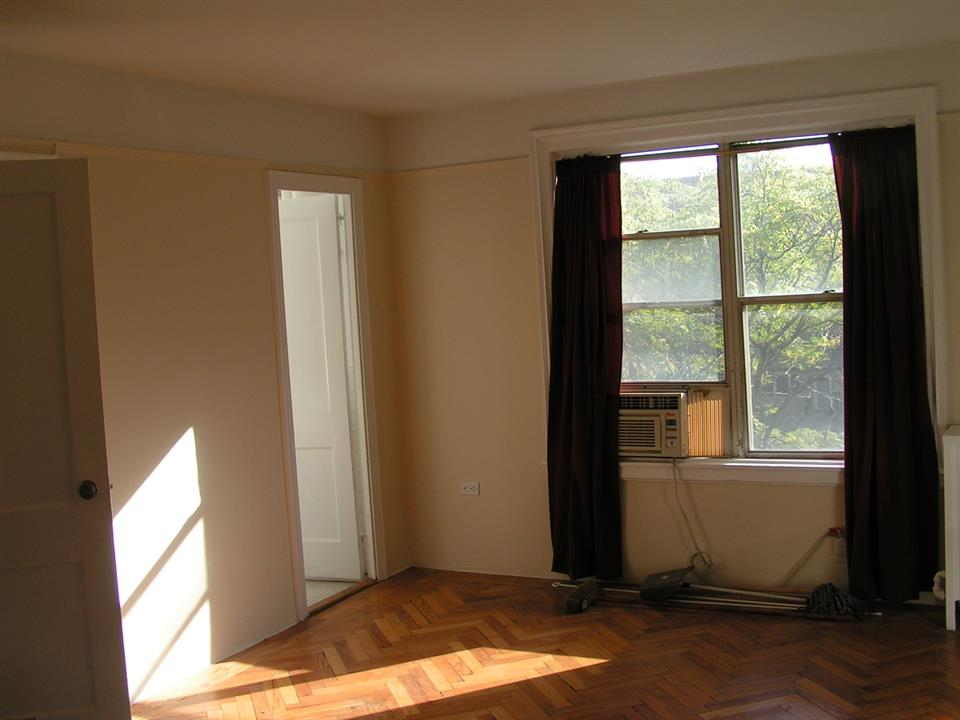 Additional photo for property listing at 160 72nd St  Brooklyn, New York 11209 United States