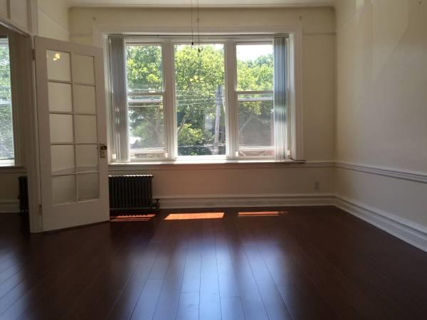 Additional photo for property listing at 22 Parrot Pl  Brooklyn, New York 11209 United States