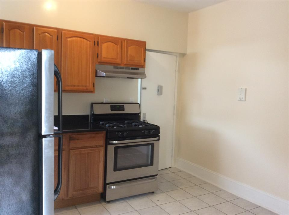 Additional photo for property listing at 20th St./4th Ave  Brooklyn, New York 11232 United States