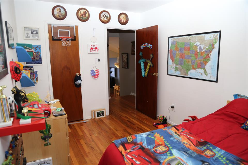 Additional photo for property listing at 215 Battery Ave  Brooklyn, New York 11209 United States