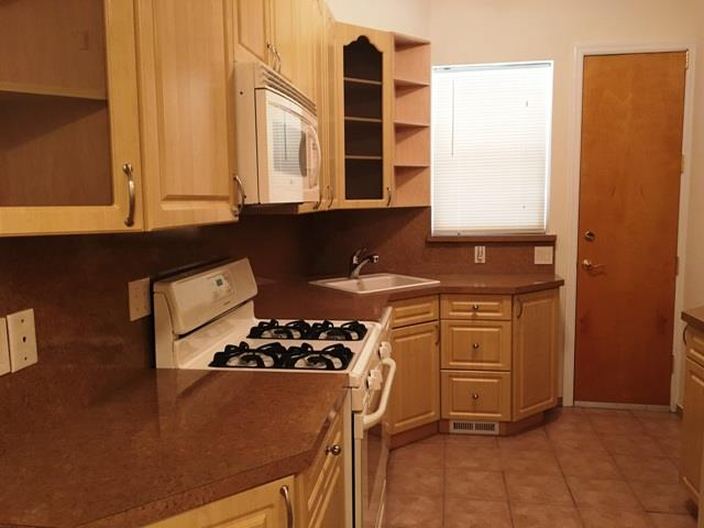 Additional photo for property listing at 84th/5th Avenue 530 84th Street Brooklyn, New York 11209 United States