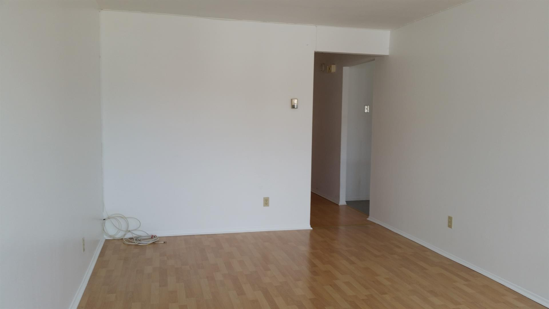 Additional photo for property listing at 40 Rutherford Pl.  Brooklyn, New York 11214 United States