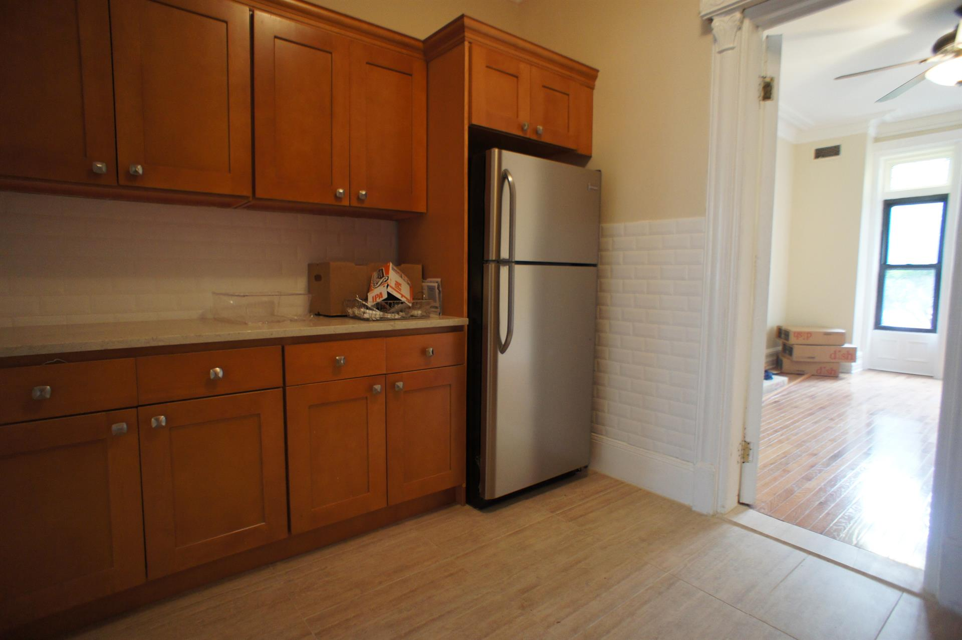 Additional photo for property listing at 480 9th Street #1  Brooklyn, New York 11215 United States