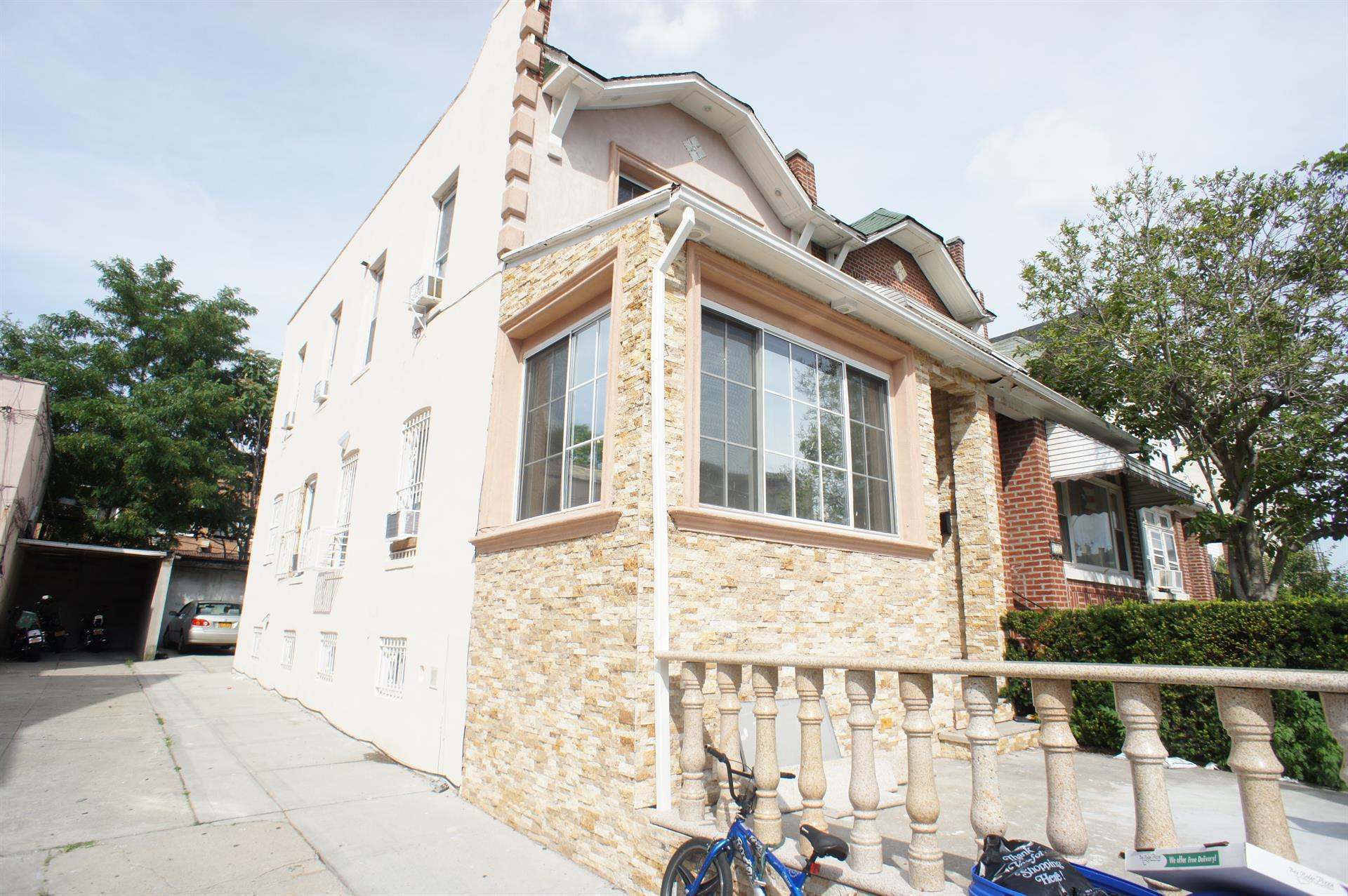 Additional photo for property listing at 455 Senator Street  Brooklyn, New York 11220 United States