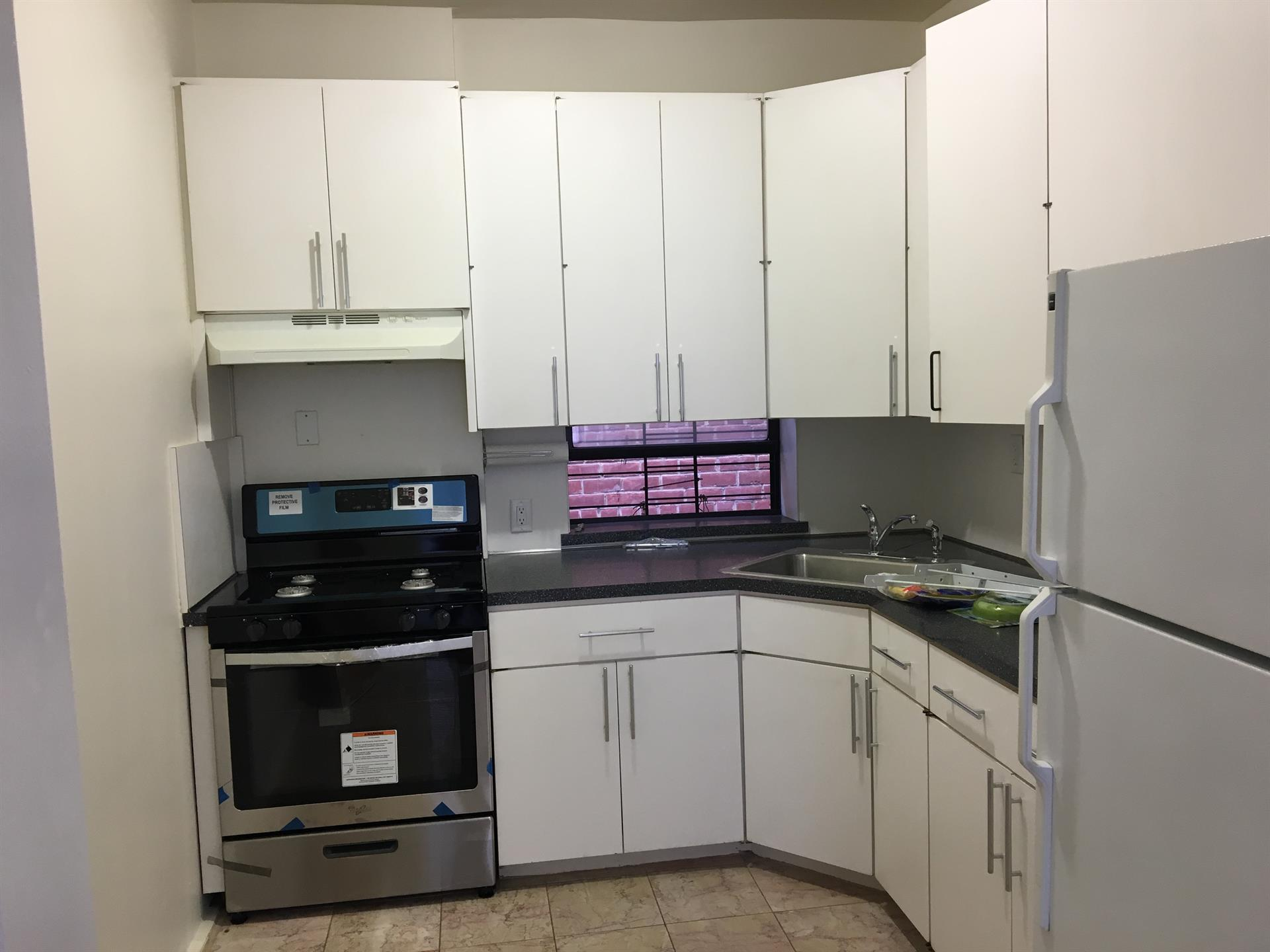 Additional photo for property listing at 80th St / 3rd Avenue  Brooklyn, New York 11209 United States