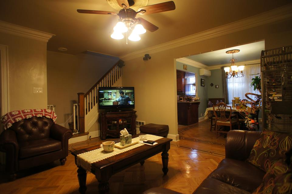 Additional photo for property listing at 649 90th Street  Brooklyn, New York 11228 United States