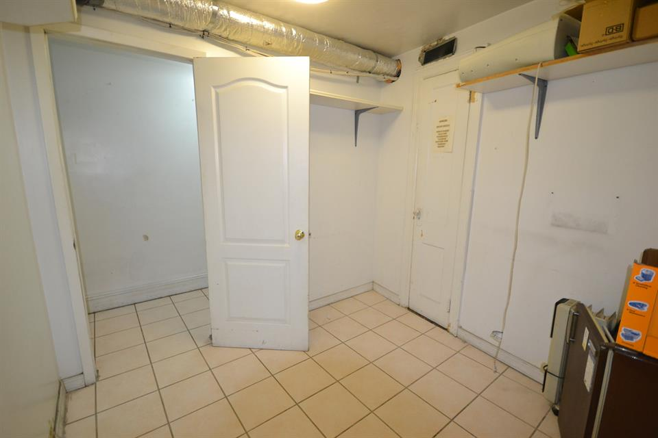 Additional photo for property listing at 83 St 4 Av  Brooklyn, New York 11209 United States