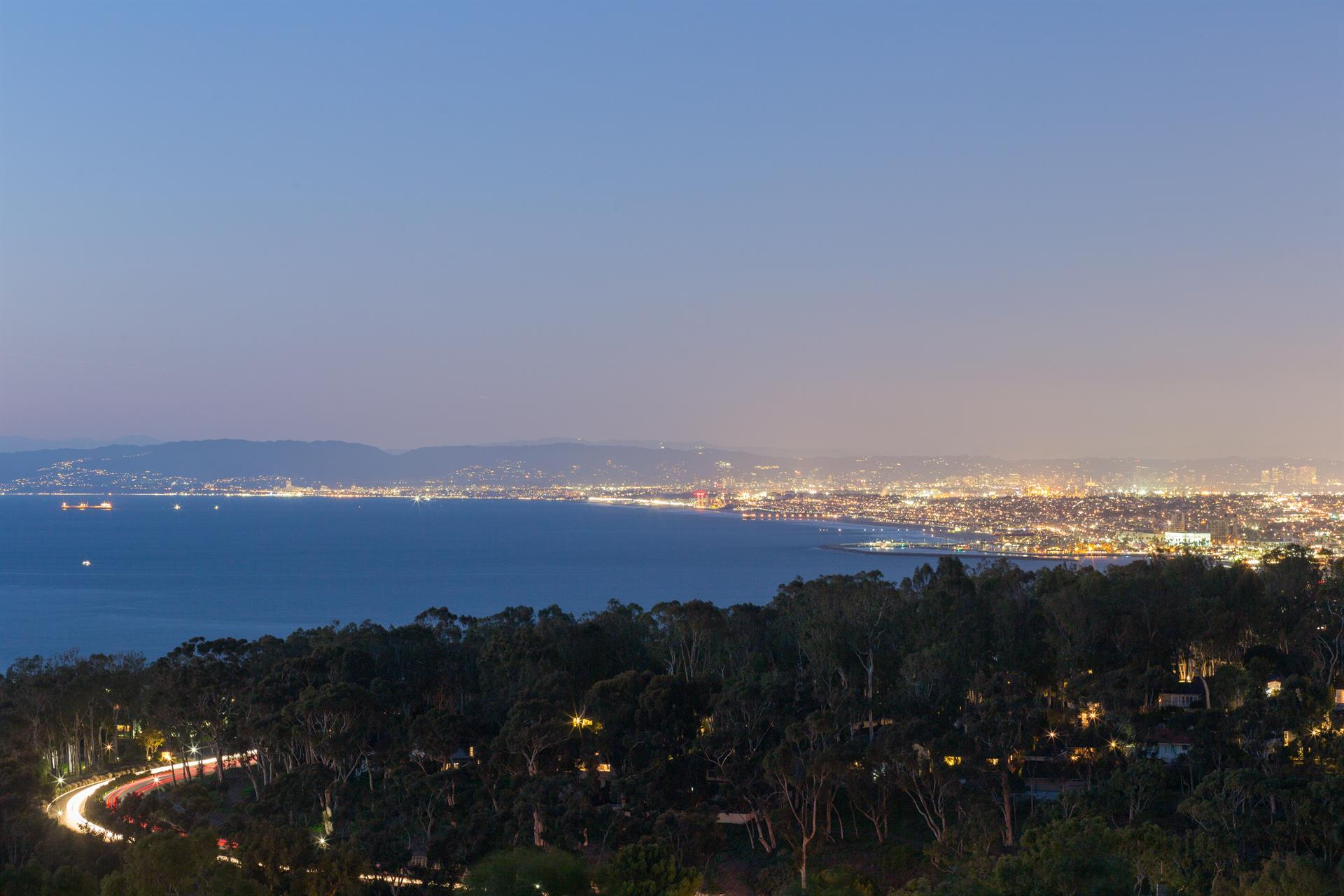 Estate for Sale at King of the Hill Palos Verdes Estates, California 90274 United States