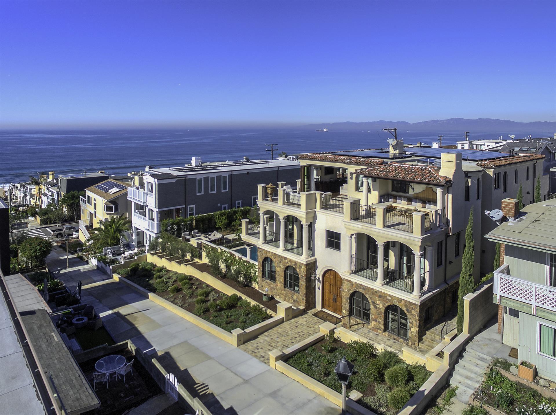 Single Family Home for Sale at Manhattan Beach Estate Manhattan Beach, California 90266 United States