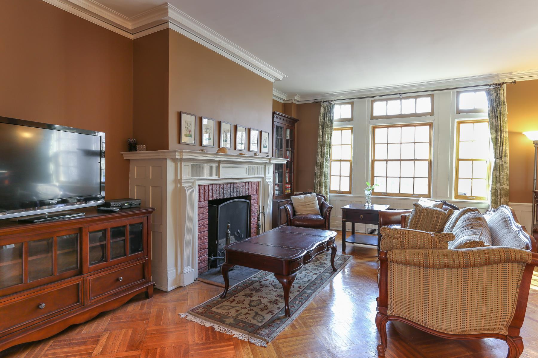 Additional Photo For Property Listing At 14 GREENWAY TERRACE FOREST HILLS GARDENS NYC Forest Hills