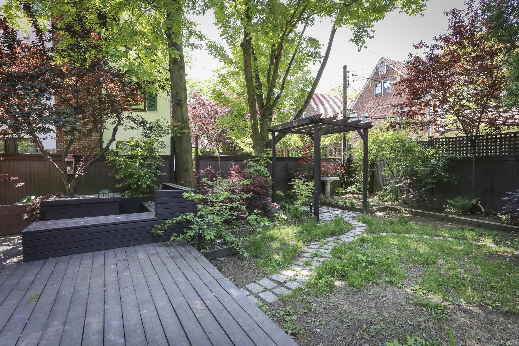 85 Puritan Avenue Forest Hills Gardens Ny Forest Hills New York United States Luxury Home