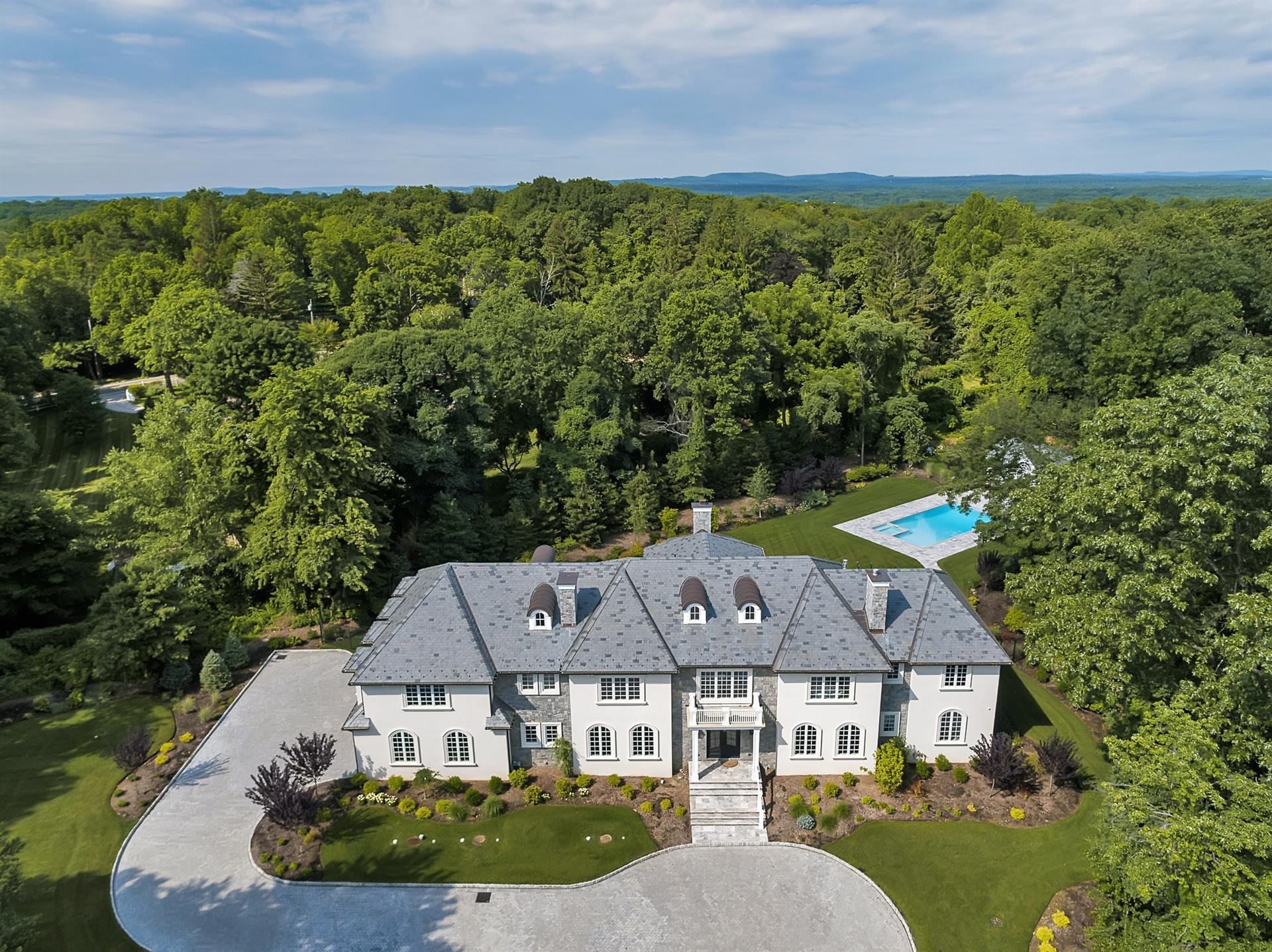 Brand New Construction: a luxury home for sale in Saddle River ...