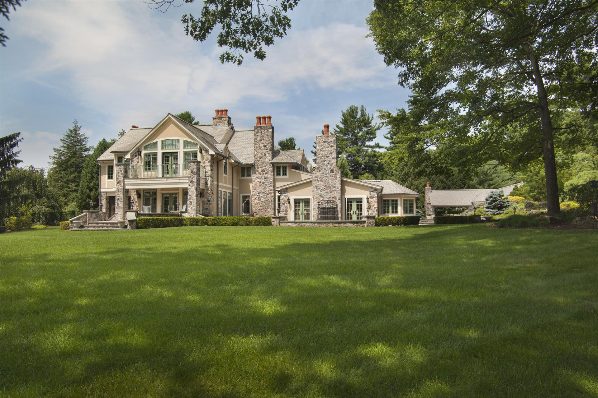 Celebrity Stunner A Luxury Home For Sale In Saddle River