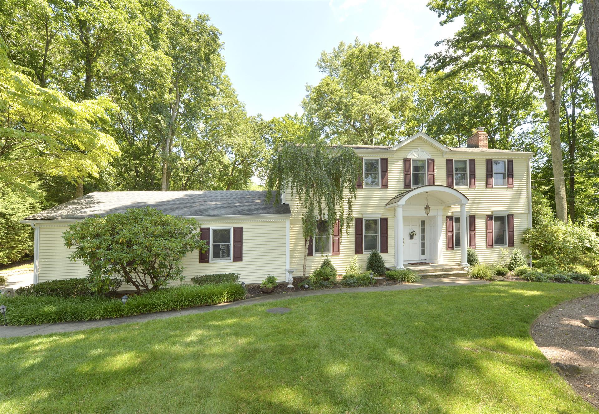 Upper Saddle River - Real Estate and Apartments for Sale ...