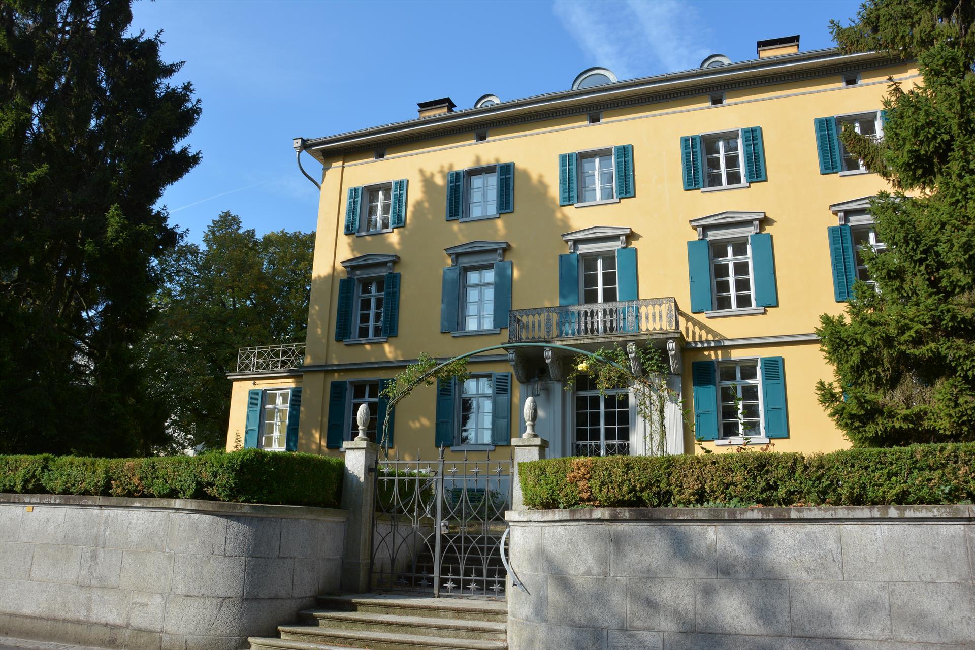 Historical Treasure By The Lake Of Zurich Horgen, Zurich
