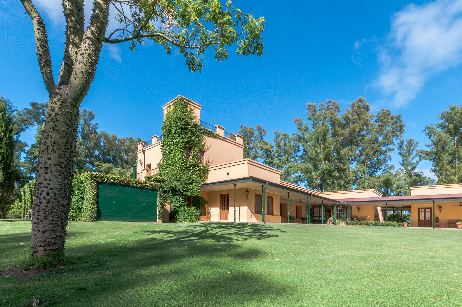 Chacra Santa María De Lobos A Luxury Casas De Retiro For