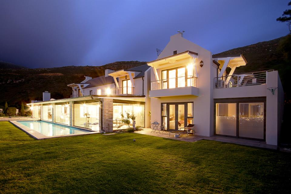 Additional Photo For Property Listing At Mountainside Family Living Its Finest Silwersteen Estate