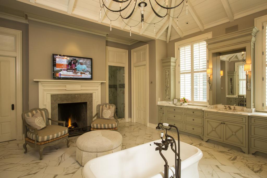 Additional photo for property listing at Riverbend  Savannah, Georgia,31410 Stati Uniti