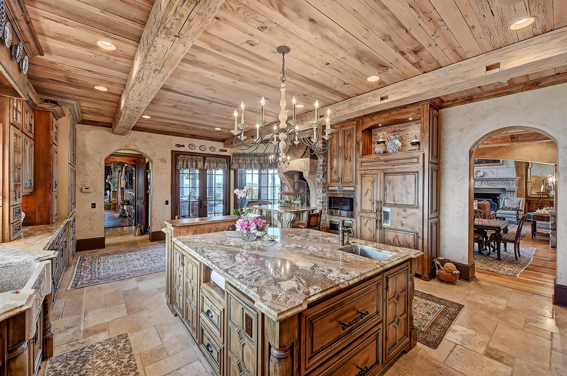 Lake Norman Waterfront Estate: a luxury Single Family Home ...