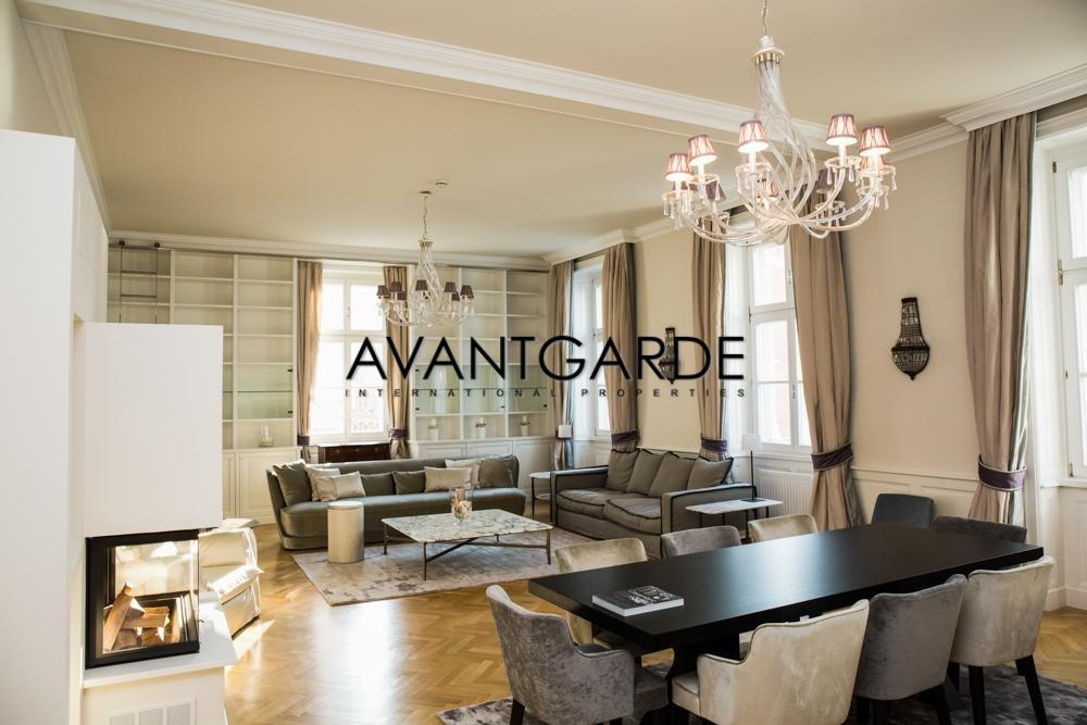 Additional Photo For Property Listing At Classic Viennese Apartment Innere  Stadt, Vienna,1010 Austria